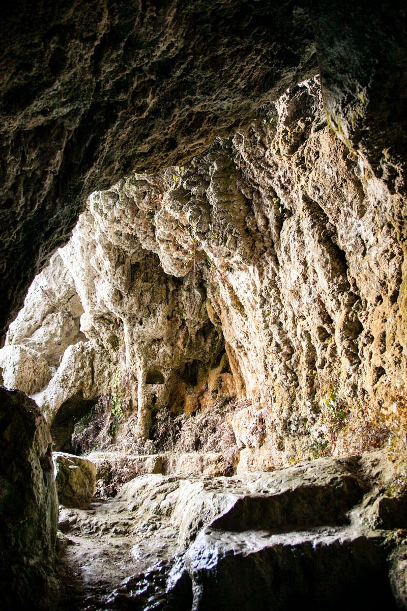 Interno delle grotte di Travertino - materiale di origine carsica