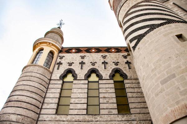 Muro esterno della cappella della rocchetta Mattei - Stile Arabeggiante Moresco