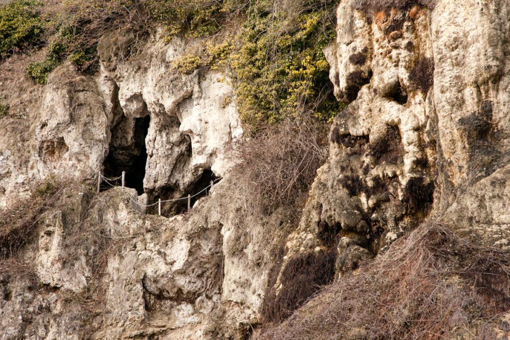 Percorso interno alle grotte di Travertino di Labante
