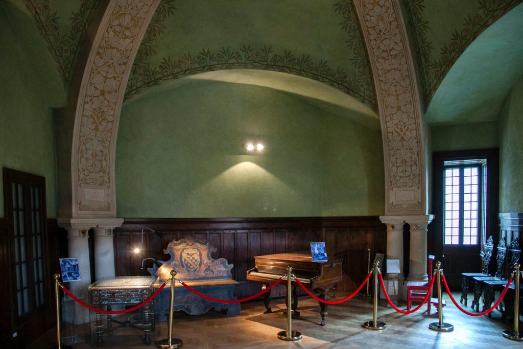 Sala della Musica - Pianta Irregolare - Scavata nella Roccia