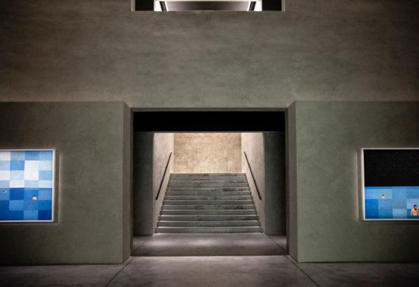 Scale verso i piani superiori - Armani Silos
