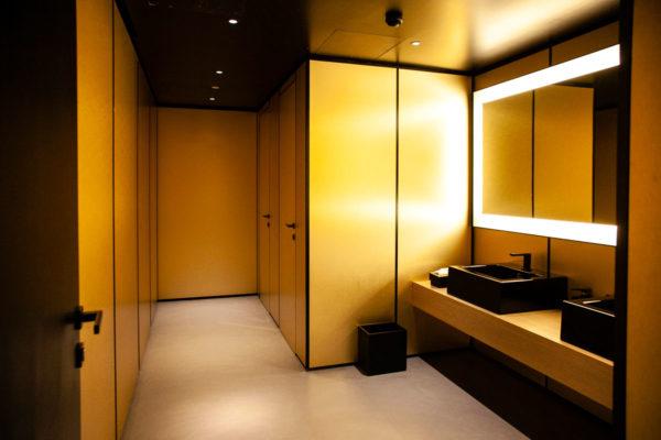 Toilette Armani Silos - Black and Gold