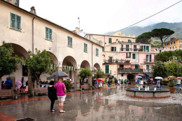 Borgo Storico di Monterosso al Mare - Portici e piazza Principale