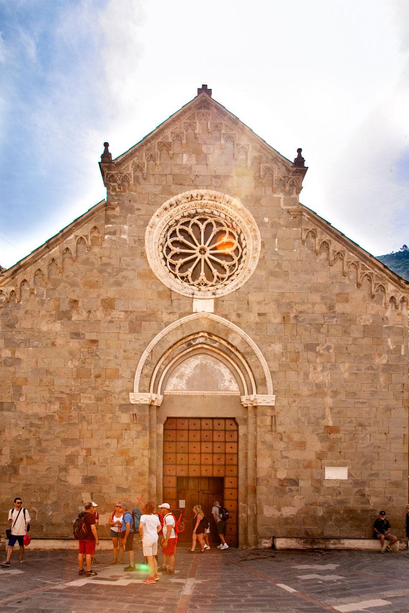 Facciata chiesa di San Lorenzo - Cosa Vedere alle Cinque Terre