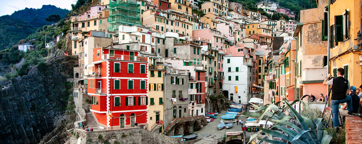 Il borgo di Riomaggiore al Tramonto