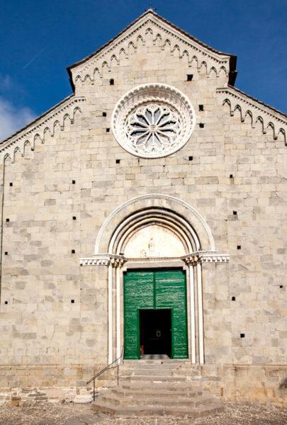 Ingresso alla Chiesa di San Pietro di Corniglia - Facciata