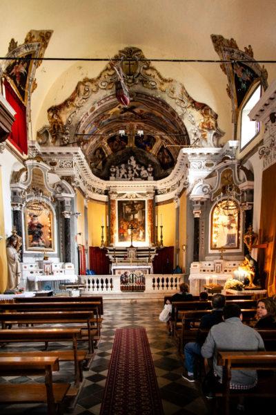 Interni chiesa Monterosso al Mare