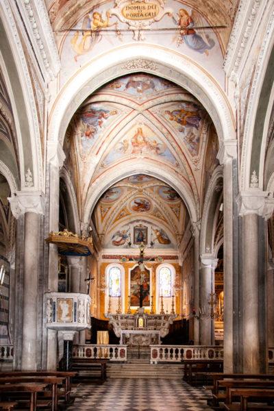 Interni della chiesa di San Pietro a Corniglia - Cinque Terre