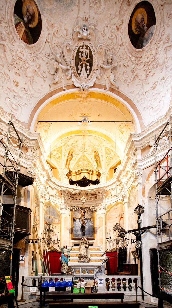 Interni di Oratorio dei Neri - Scheletri e Morte a Monterosso al Mare