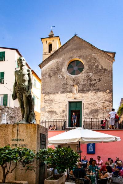 Largo Taragio - Monumento ai Caduti e Oratorio dei Disciplinati di Santa Caterina