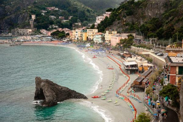 Monterosso al Mare - Scoglio di Fegina e Spiaggia - Panorama