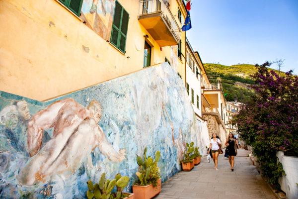 Municipio di Riomaggiore - Murales di Silvio Benedetto