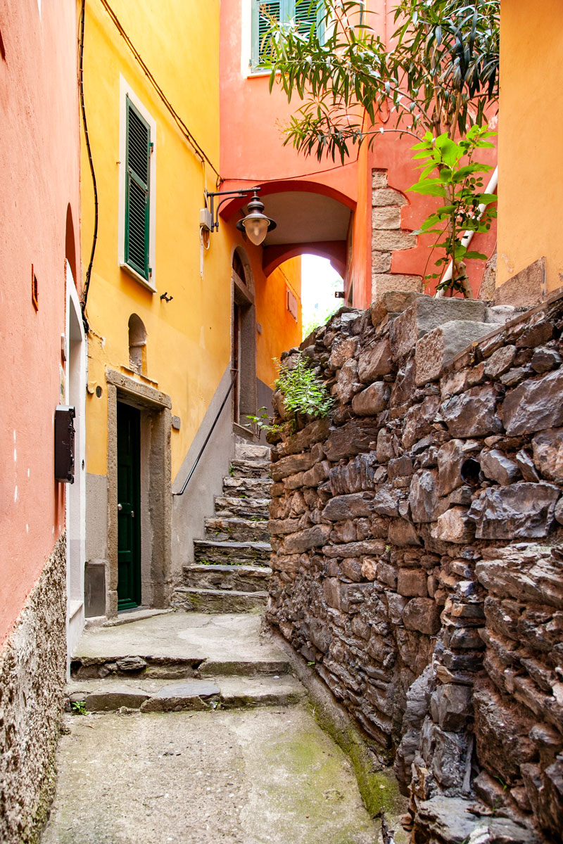 Muri in Pietra e Archi delle Case - Manarola