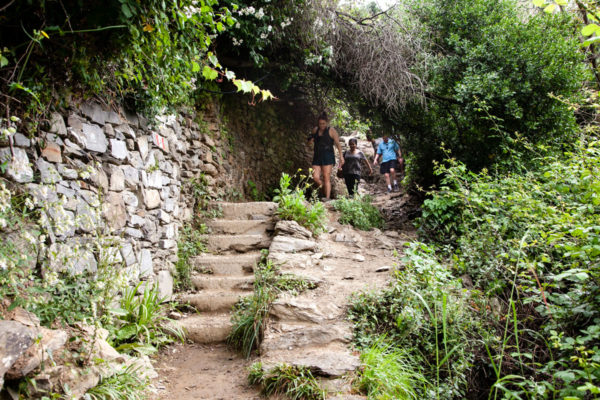 Passeggiata nel sentiero tra le Cinque Terre