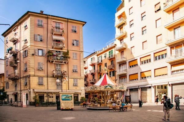 Giostre in piazza Ramiro Ginocchio - Centro Storico - Cosa Vedere a La Spezia