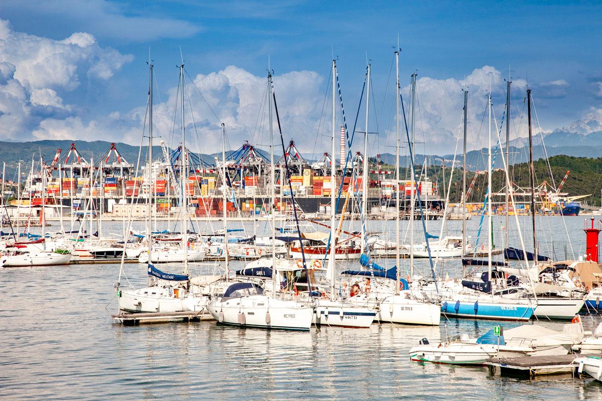 I container del porto di La Spezia - Golfo dei Poeti