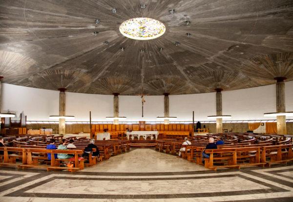 Interni della Cattedrale di Cristo Re