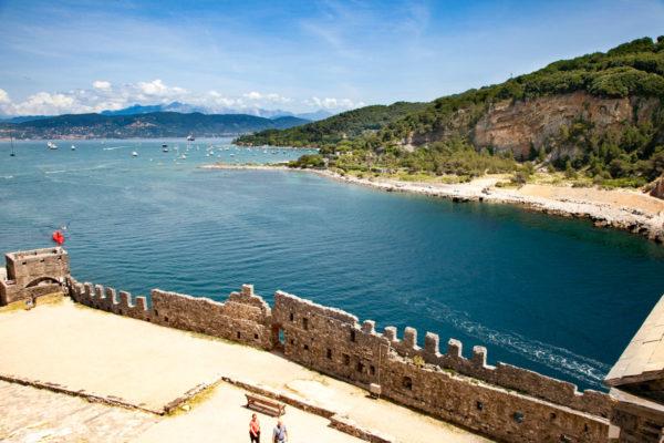Le Mura Storiche di Portovenere e la Isola Palmaria