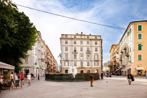 Piazza Garibaldi con Fontana delle Vele