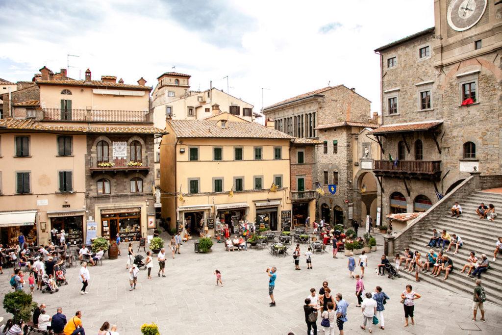 Bellissima Piazza della Repubblica di Cortona - Cosa Vedere in Toscana