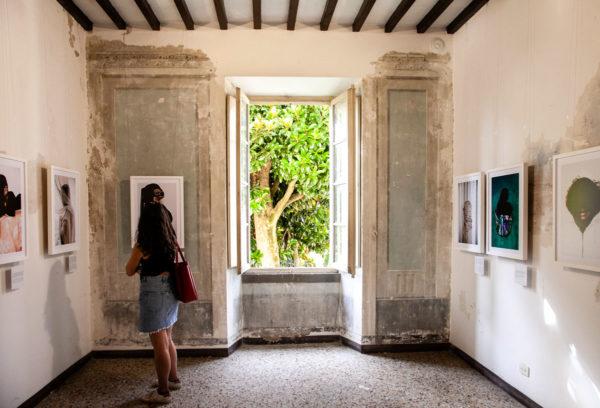 Palazzo Capannelli - Ernst Coppejans - Sold - Ritratti anonimi vittime tratta essere umani - Cortona On The Move 2018