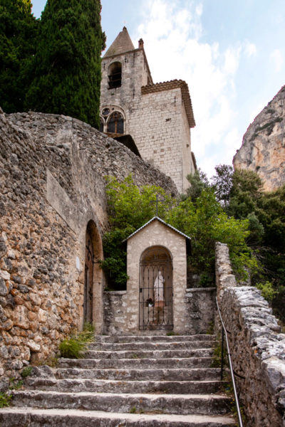Accesso alla cappella Notre Dame de Beauvoir - Moustiers Sainte Marie