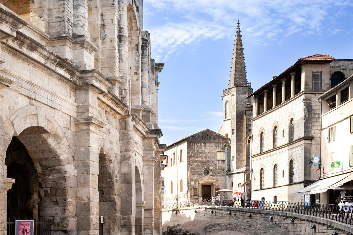 Arena di Arles e la chapelle des penitents gris