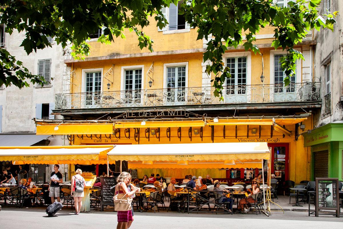 Cafe la nuit dipinto da van Gogh ad Arles