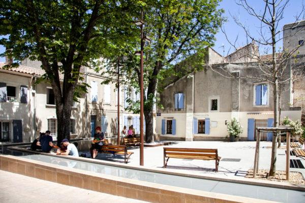 Case con persiane celesti a Saint Remy de Provence