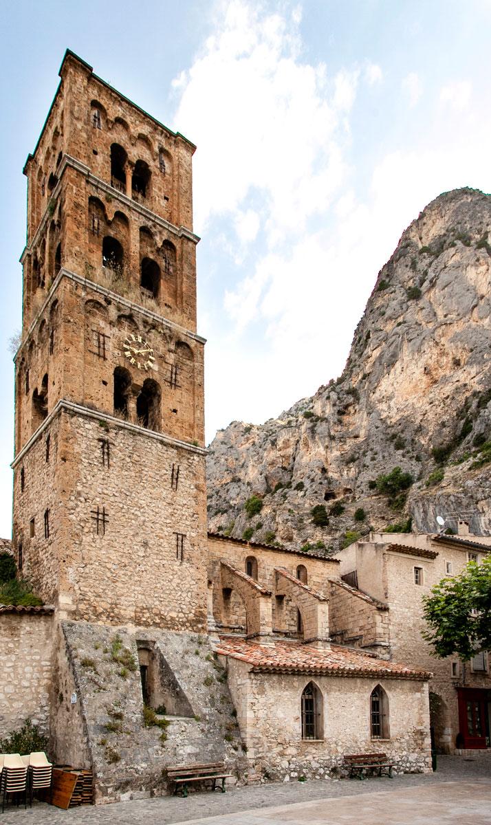 Chiesa Romanica di Notre Dame de L'Assomption e Campanile