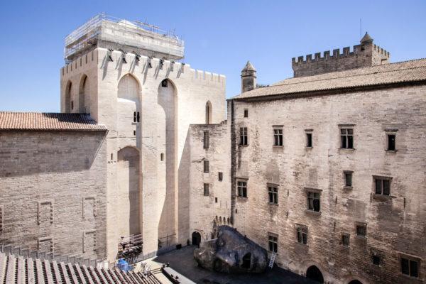 Cortile Interno allestito per il festival di Avignone - Palazzo dei Papi