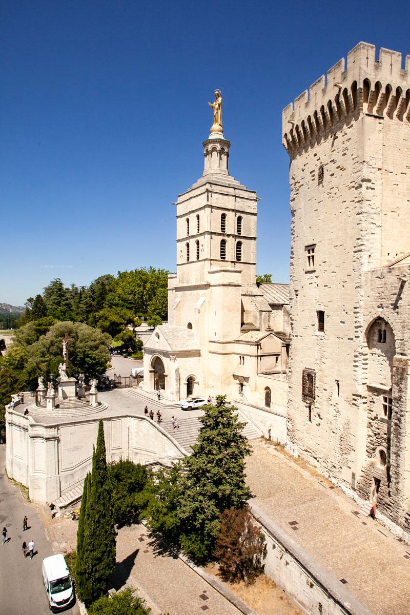 Duomo di Notre Dame visto dal palazzo dei Papi di Avignone