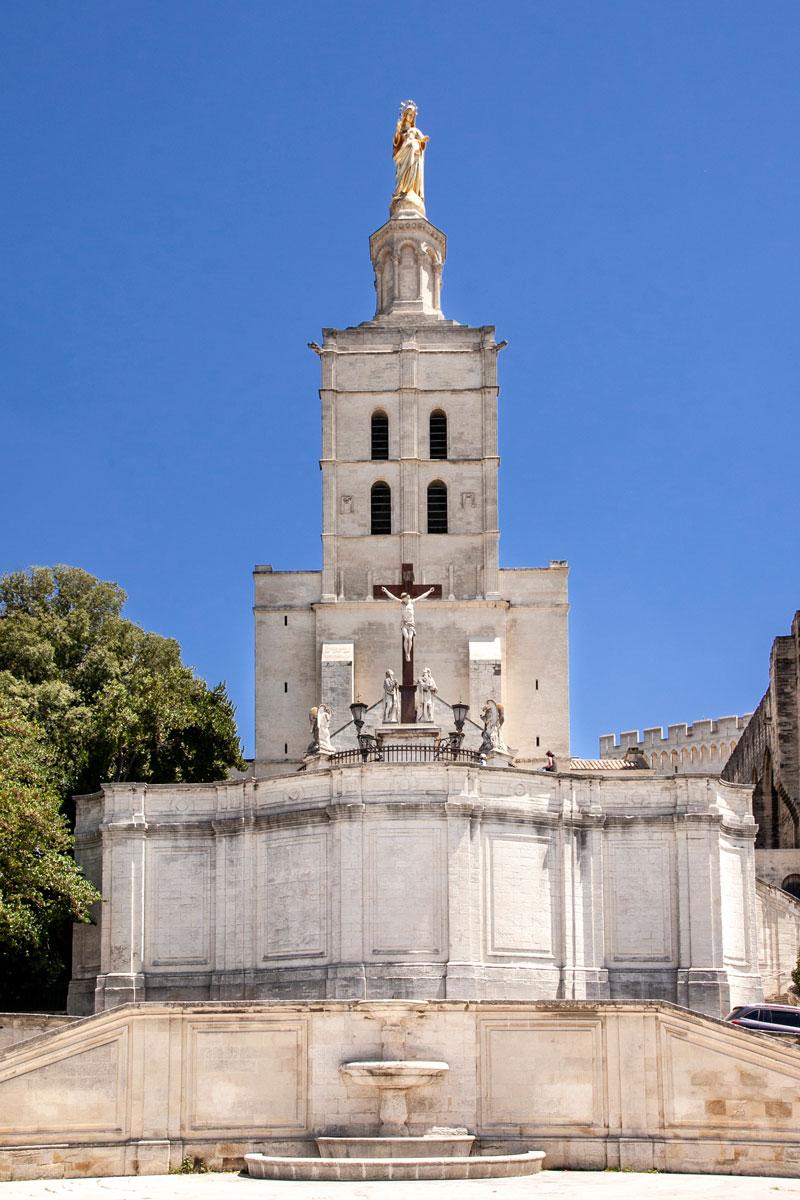 Facciata del duomo di Avignone - Duomo di Notre Dame