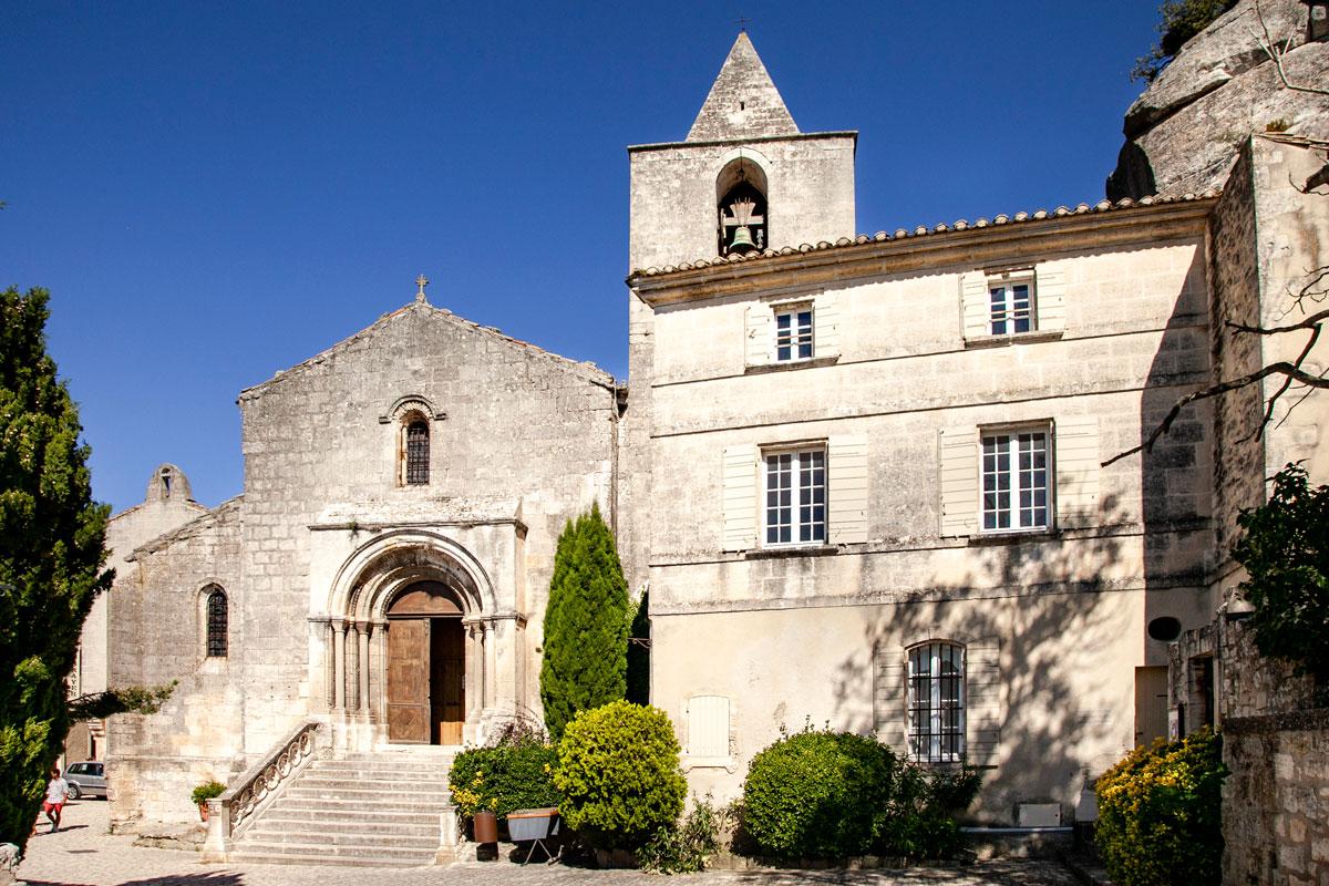Facciata della chiesa di Saint Vincent - Les Baux de Provence