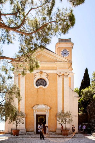 Facciata di Nostra Signora dell'Assunzione - Chiesa Principale di Eza in Costa Azzurra - Francia