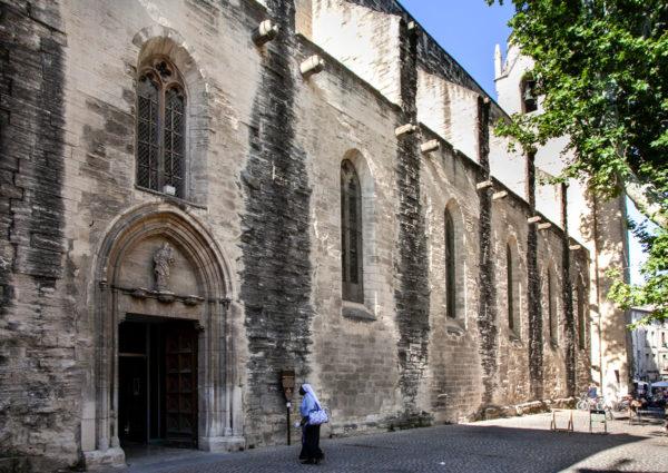 Facciata esterna chiesa di Saint Didier su Piazza Saint Didier