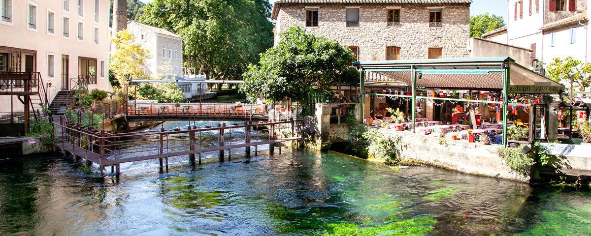 Fiume Sorgue dentro al comune di Fontaine de Vaucluse