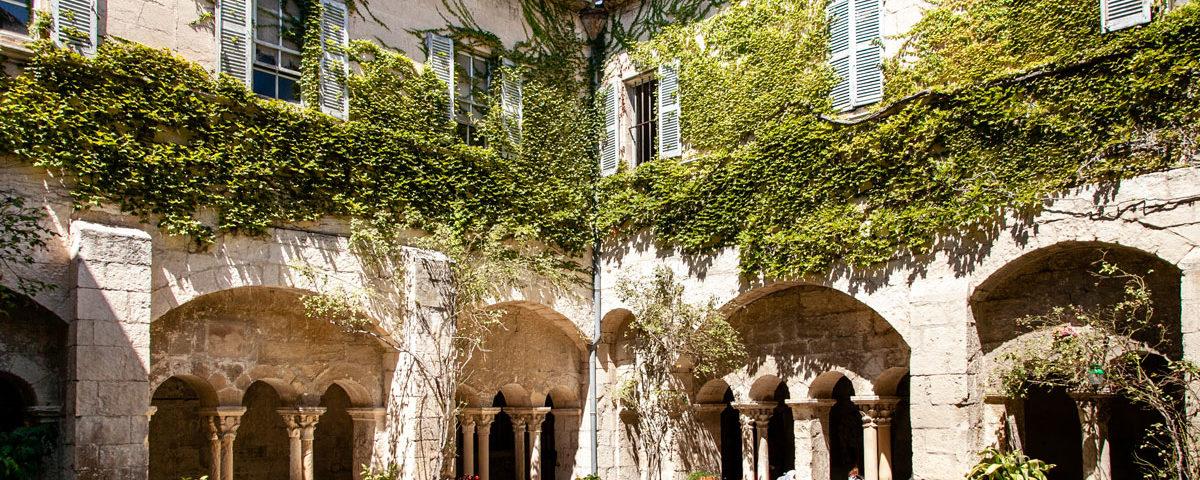Il chiostro interno di Saint Paul de Mausole - Saint Remy de Provence
