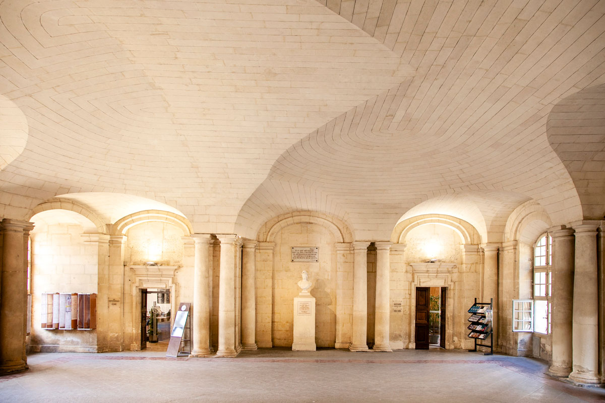 Interni Hotel de Ville e soffitto particolare