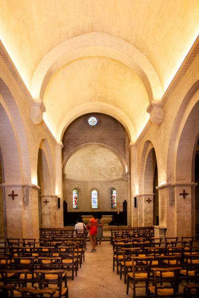 Interni della chiesa di Saint Paul de Mausole