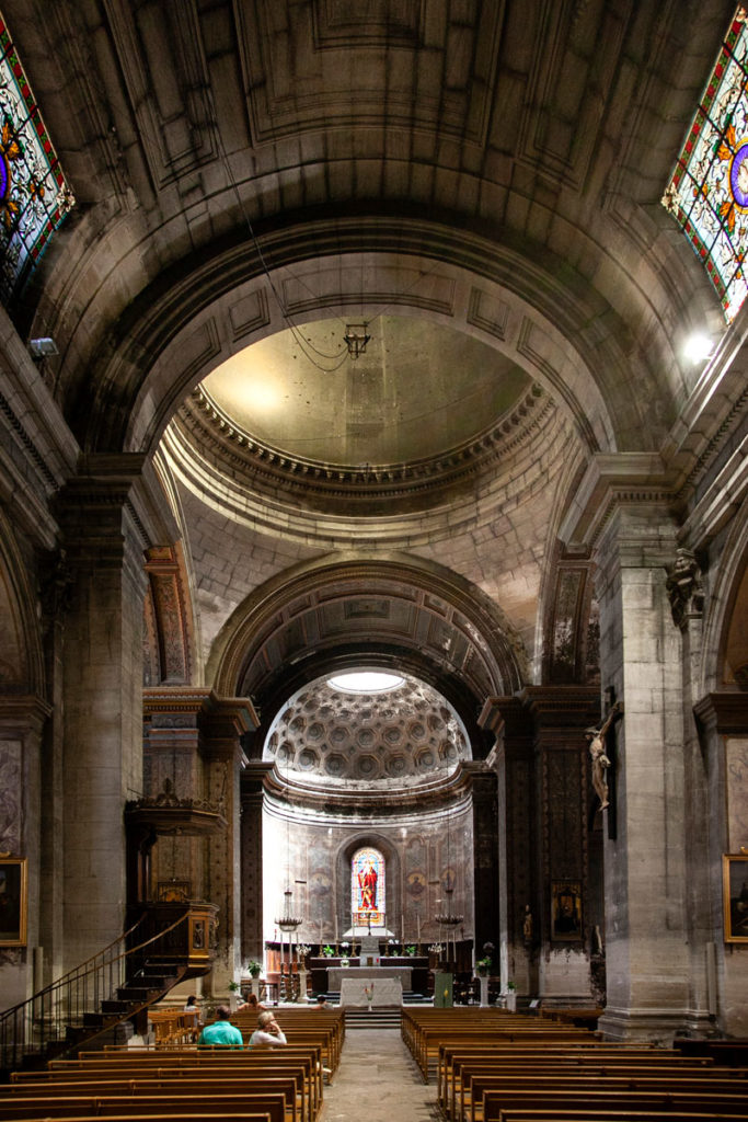 Navata interna della chiesa collegiata di San Martino