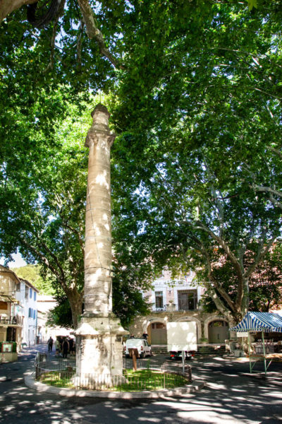 Place de la Colonne - Fontaine de Vaucluse