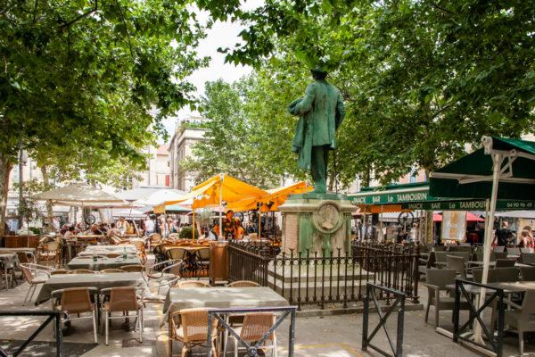 Place du Forum - piazza centrale di Arles