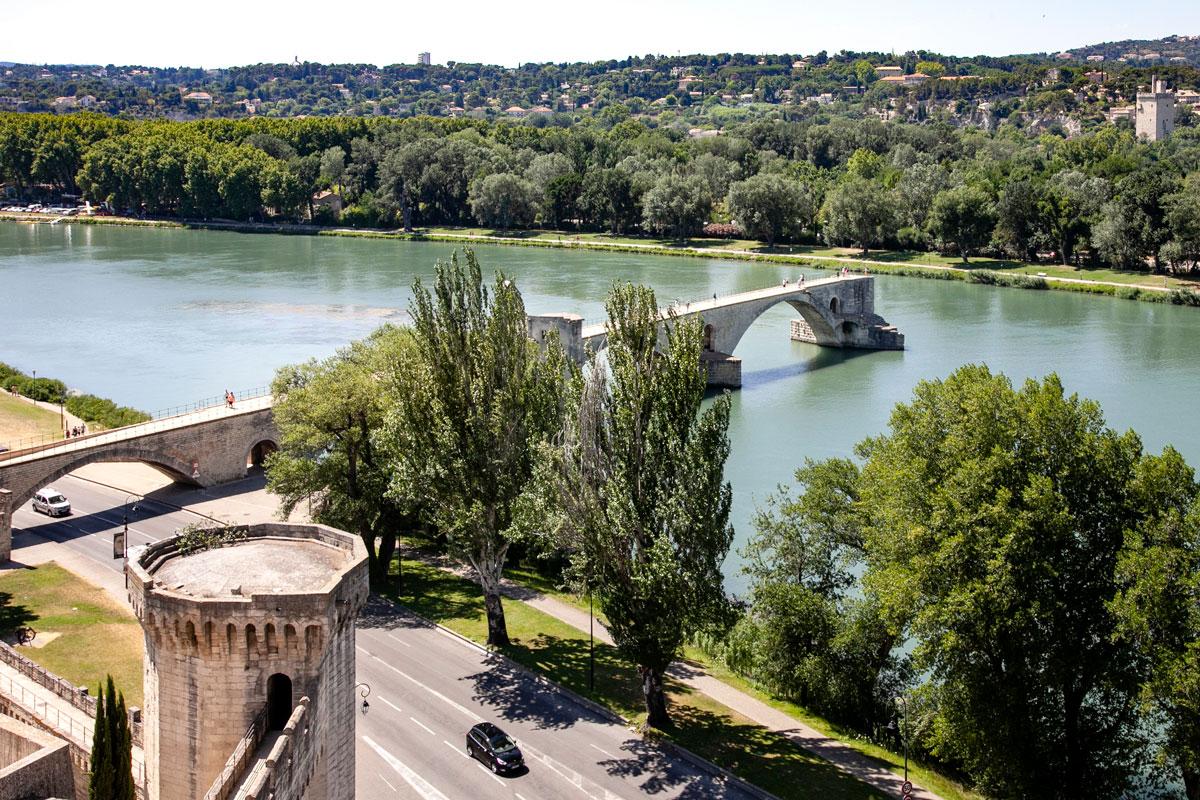 Ponte di Avignone o Ponte di Saint Benezet visto da Parco Rochers des Doms