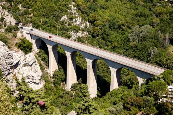 Ponte per arrivare ad Eza