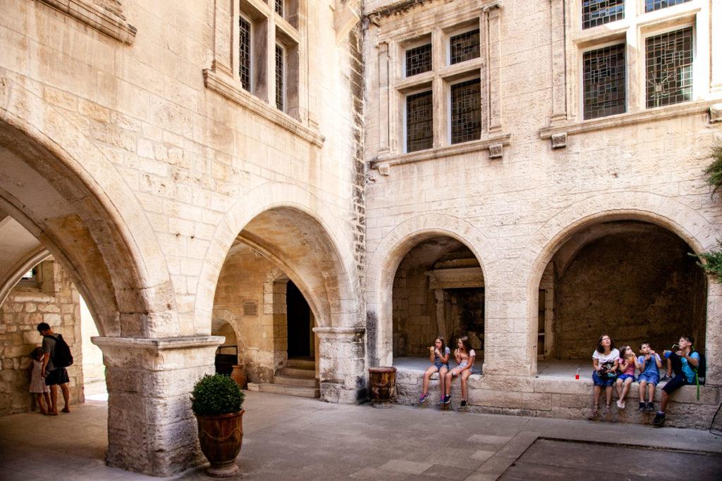 Porticati dentro ai palazzi del centro storico