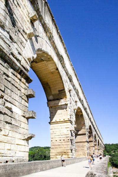 Primo piano transitabile a piedi - Pont du Gard - Francia