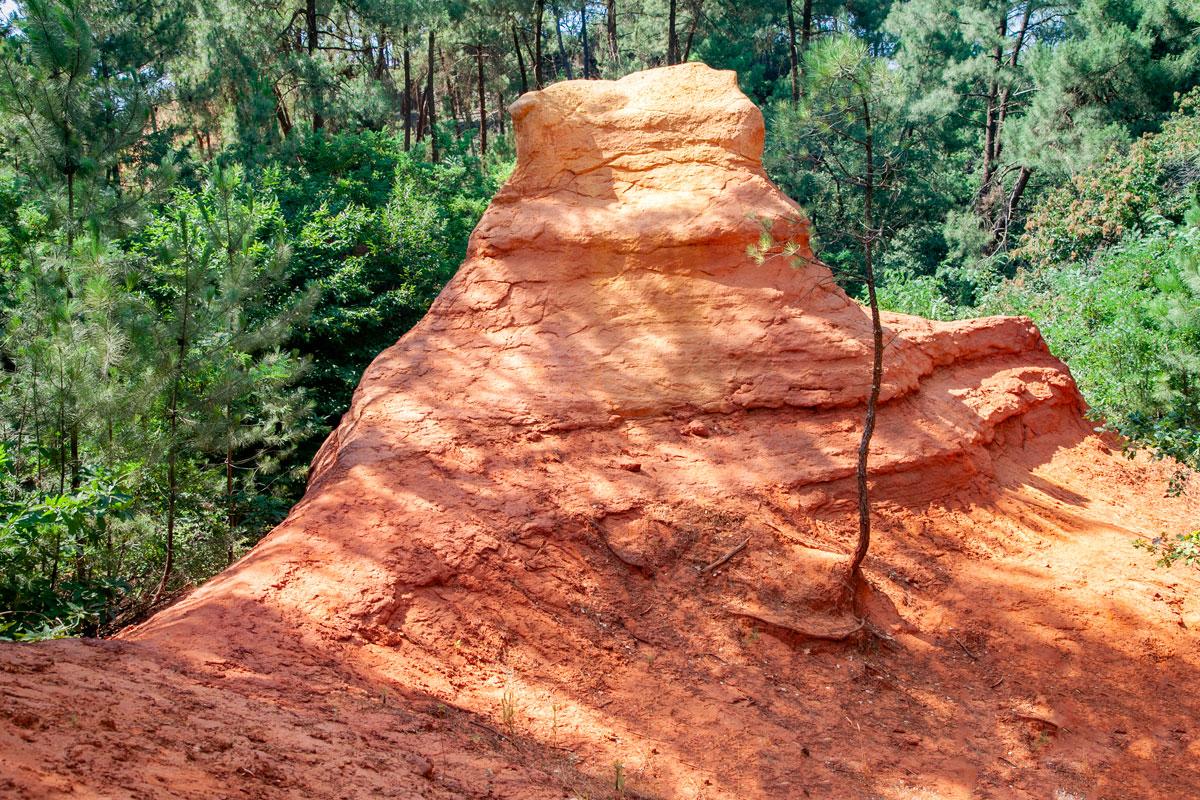 Roccia color Ocra nella Francia del Sud