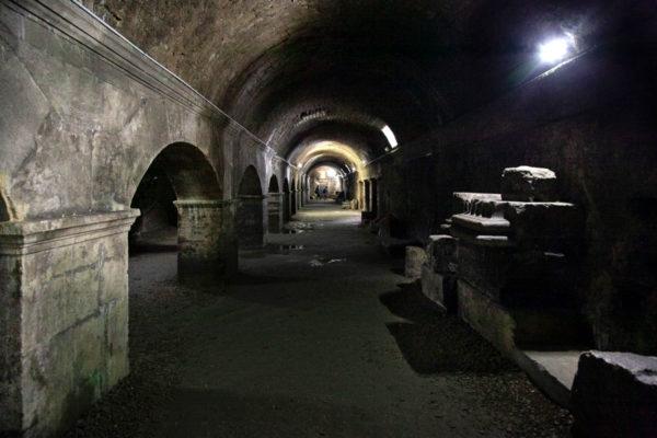 Schiavi e provviste nella Cryptoportiques - Arles sotterranea sotto il municipio