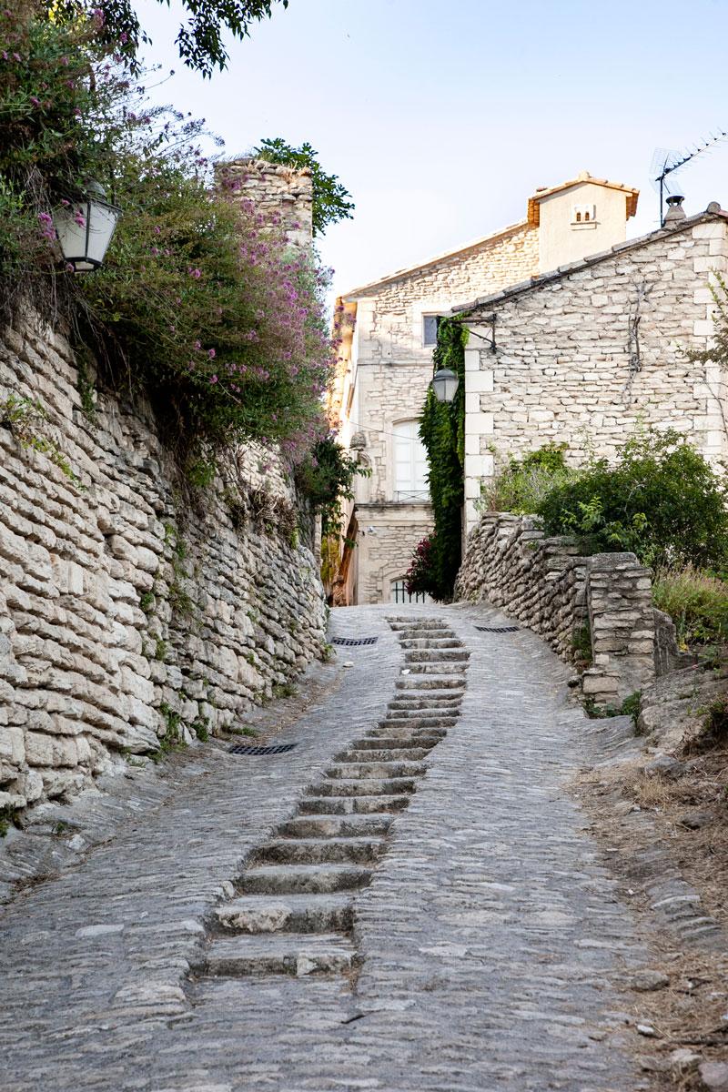 Vicoli del Centro storico di Gordes - Il borgo rivalutato dagli artisti francesi